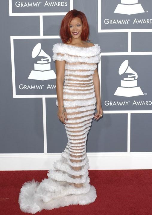 Rihanna, du blanc, encore et toujours du blanc !