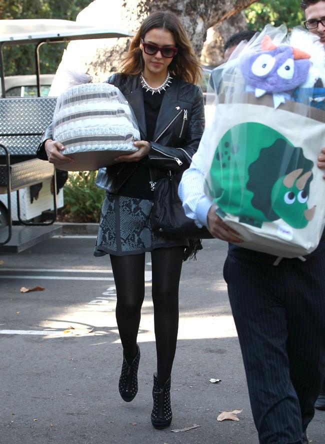 Jessica Alba à la baby shower de Gwen Stefani le 8 février 2014
