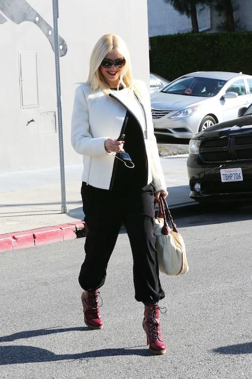 Photos : Gwen Stefani : enceinte, à l'aise et en talons !
