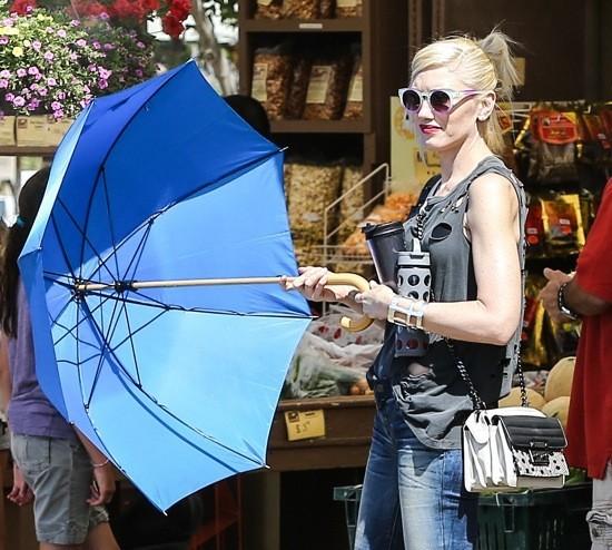 Photos : Gwen Stefani : ultra-stylée lors d'une virée à la ferme en compagnie de ses deux petites têtes blondes !