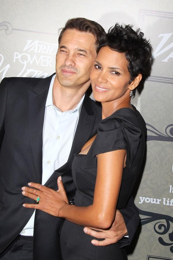 Olivier Martinez et Halle Berry à la soirée Variety's Power of Women le 5 octobre 2012 à Los Angeles