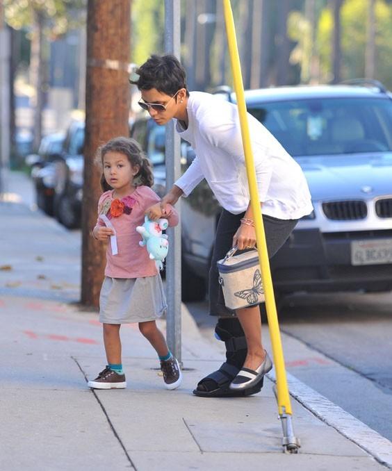 Halle Berry conduit Nahla à l'école