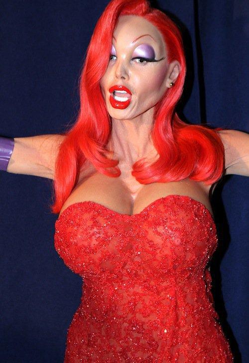 Photos : Halloween : qui est cette bombe déguisée en Jessica Rabbit ?