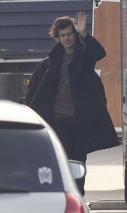 Harry Styles arrive dans un studio de Londres