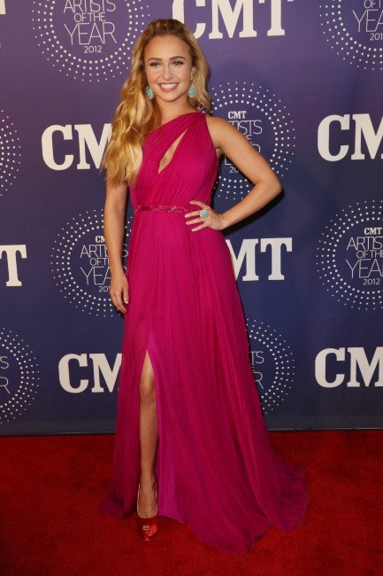 "Hayden Panettiere lors de la soirée ""2012 CMT Artists Of The Year"" à Franklin, le 3 décembre 2012."