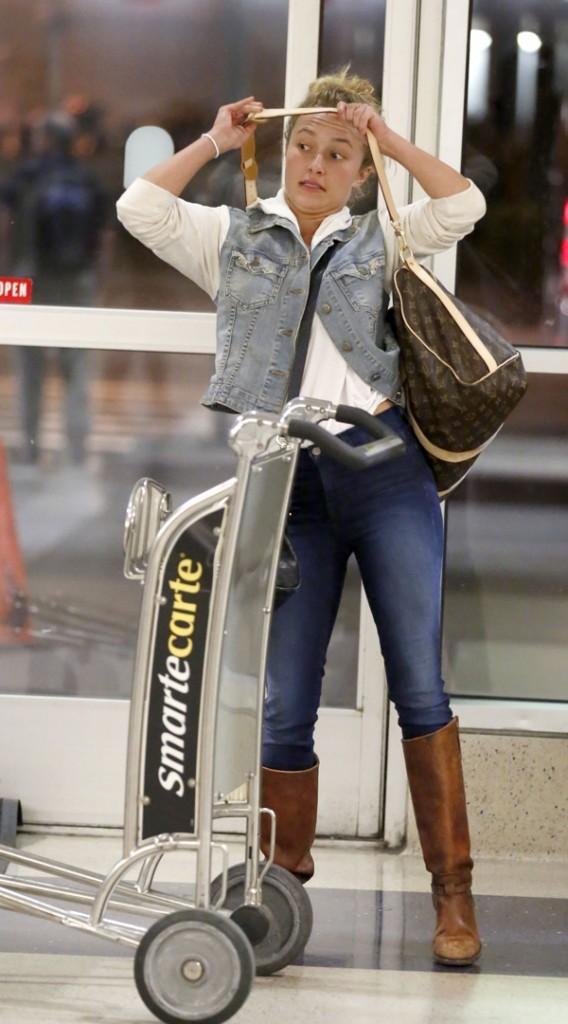 Hayden Panettiere à l'aéroport de Los Angeles le 29 mai 2013
