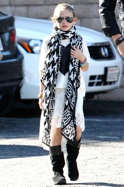 Leni, la fille d'Heidi klum à Beverly Hills, le 2 janvier 2013.