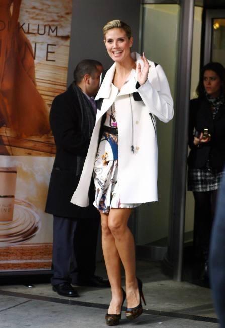 Heidi Klum à New York pour le lancement de son parfum Shine, le 30 novembre 2011.