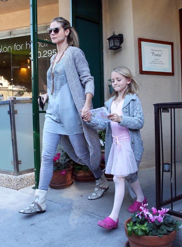 Heidi Klum à la sortie du cours de danse de Leni !