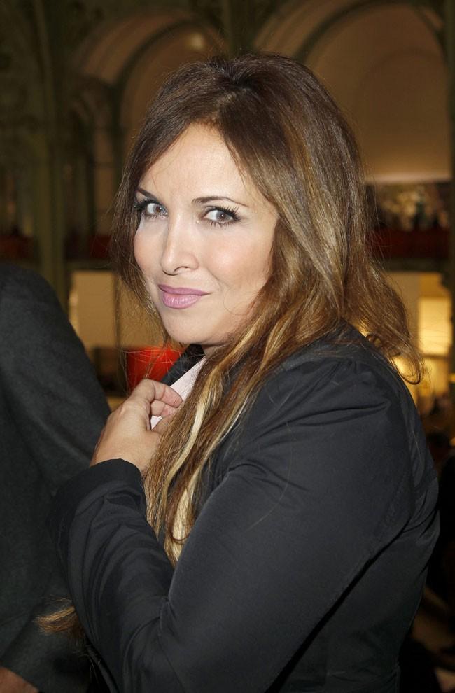 Hélène Segara au Grand Palais de Paris pour le lancement de la FIAC le 23 octobre 2013