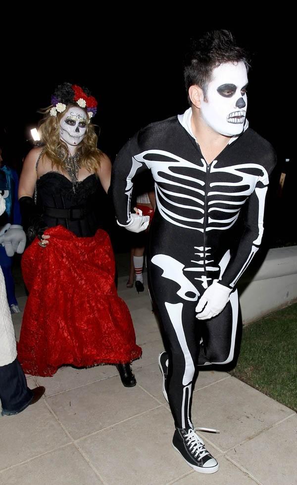 Hilary Duff à Beverly Hills pour une soirée Halloween le 27 octobre 2012