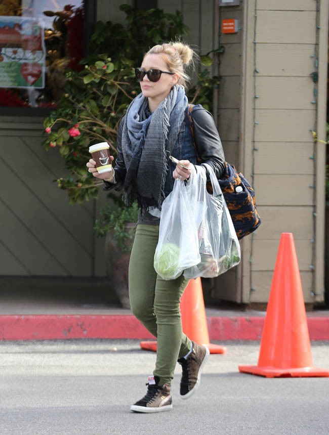 Hilary Duff au Beverly Glen Farmers Market de Los Angeles