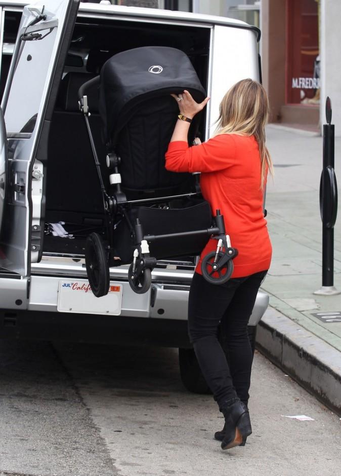 Hilary Duff à Los Angeles le 28 novembre 2012
