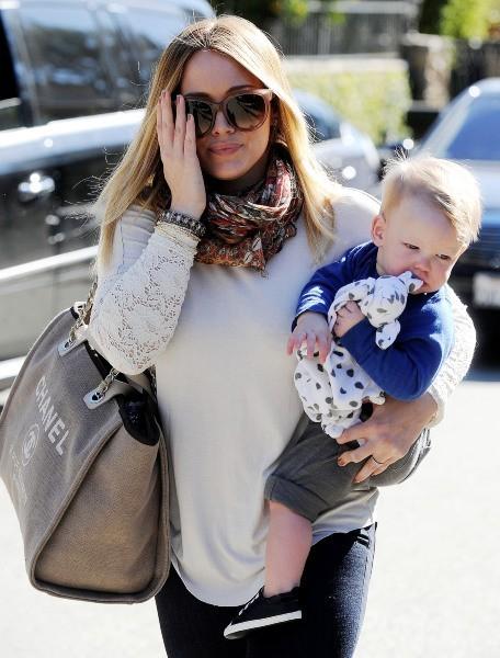 Hilary Duff et Luca le 17 janvier 2013 à Beverly Hills