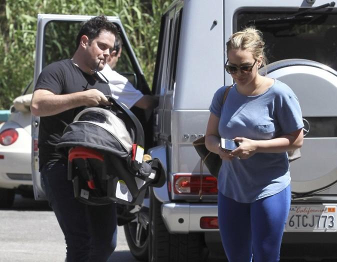 Hilary Duff et Mike Comrie le 26 août 2012 à Los Angeles
