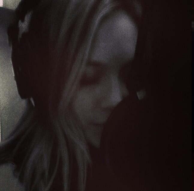 Hilary Duff en studio el 13 octobre 2013