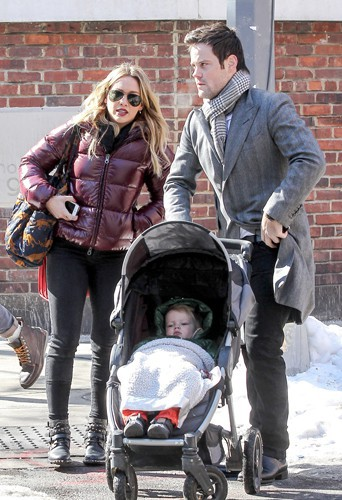 Hilary Duff et Mike Comrie à New-York le 11 février 2014