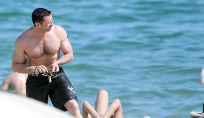 Hugh Jackman à la plage à Barcelone, le 20 juin 2012.