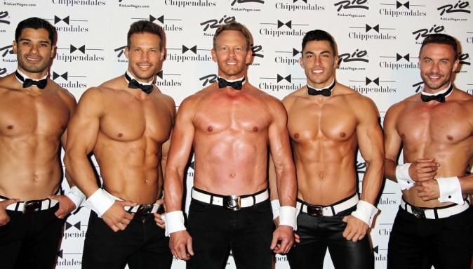 Photos : Ian Ziering : Steve de 90210 affiche un corps d'apollon et fait le show avec sa troupe de strip-teaseurs !