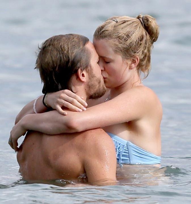 Ireland Baldwin avec son boyfriend Slater Trout à Hawaï le 1er juin 2013