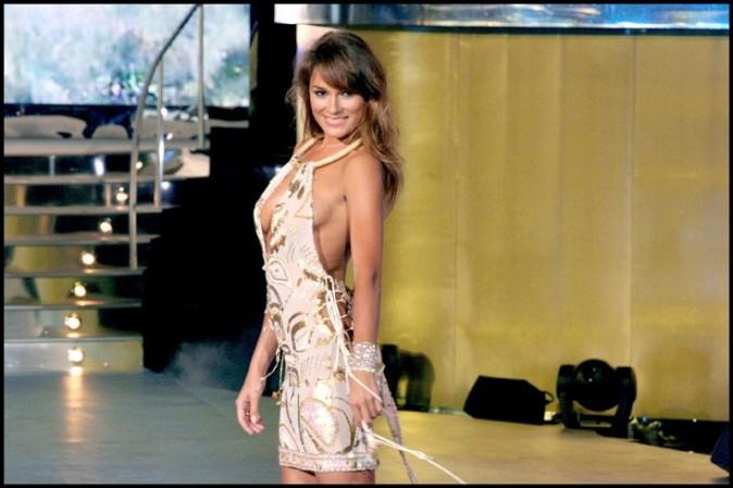 Alena Seredova : Sa robe ne laisse pas beaucoup d'espace à l'imagination!!