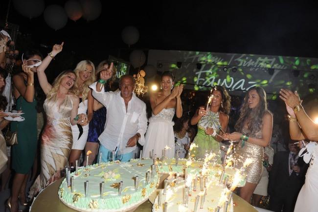 Soirée d'anniversaire de Fawaz Gruosi à Porto Cervo, le 8 août 2012.
