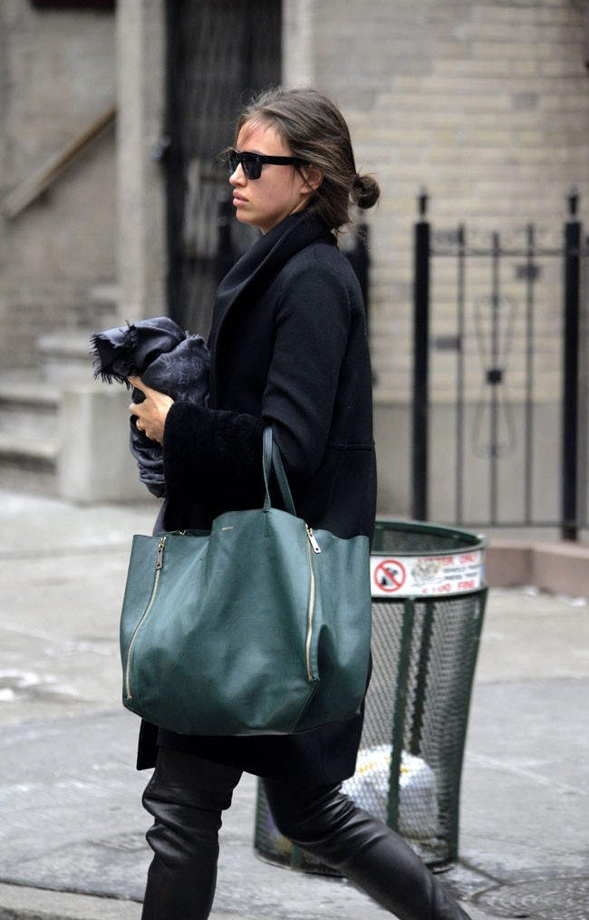 Irina Shayk dans les rues de New-York le 28 janvier 2013