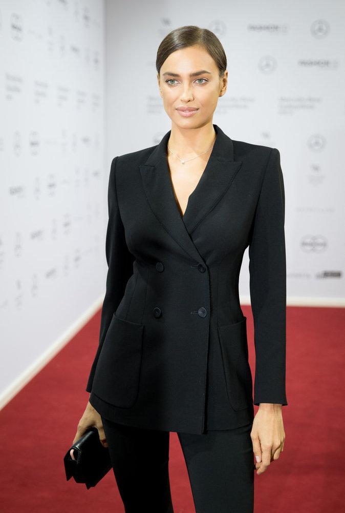 Photos : Irina Shayk : spectatrice de charme à la Fashion Week de Milan !