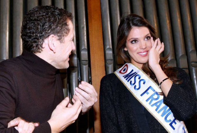 Photos : Iris Mittenaere (Miss France 2016) émue aux larmes devant Dany Boon
