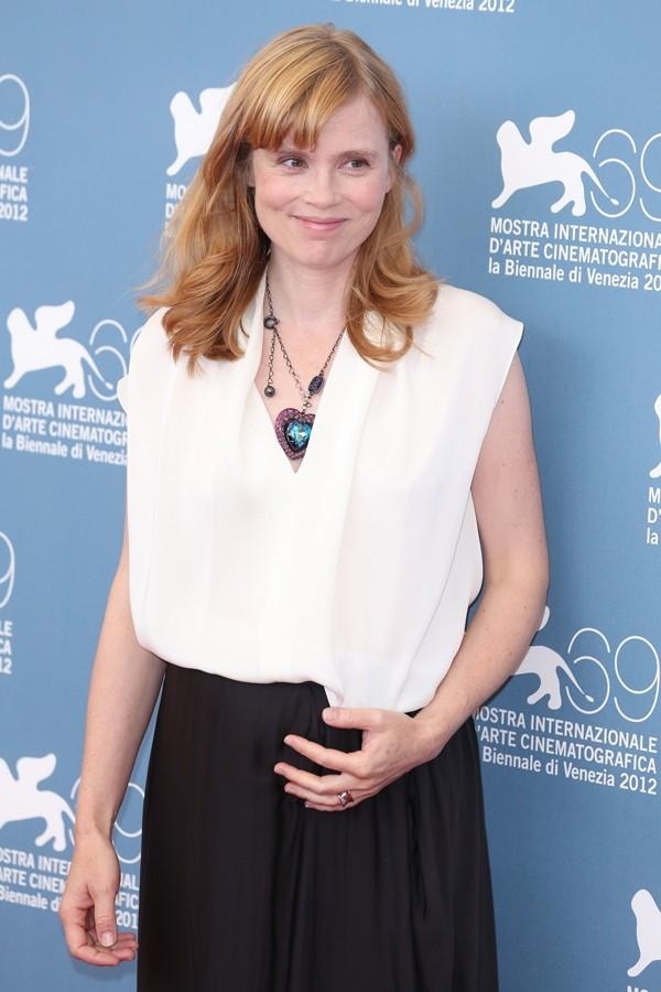 Photos : Isabelle Carré : à 41 ans, elle est enceinte de son troisième enfant !