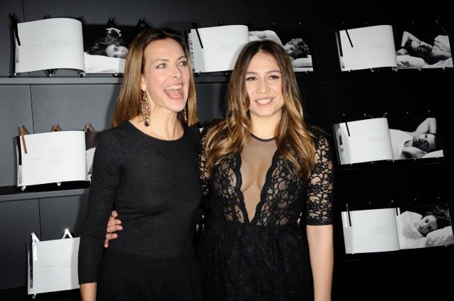 Izïa et Carole Bouquet le 14 janvier 2013 à Paris