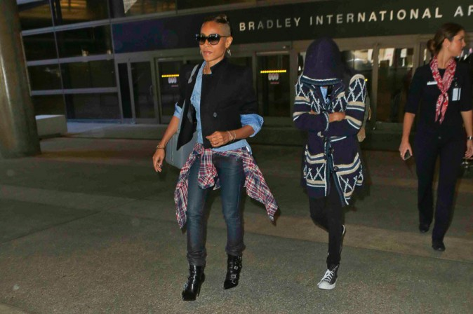 Jada Pinkett Smith à l'aéroport de Los Angeles avec sa fille Willox le 7 octobre 2013
