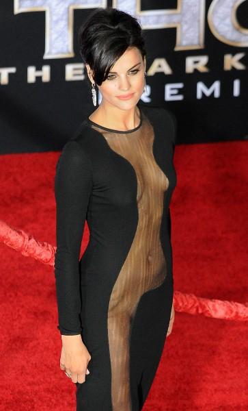 """Jaimie Alexander lors de la première du film """"Thor : Le Monde des ténèbres"""" à Hollywood, le 4 novembre 2013."""