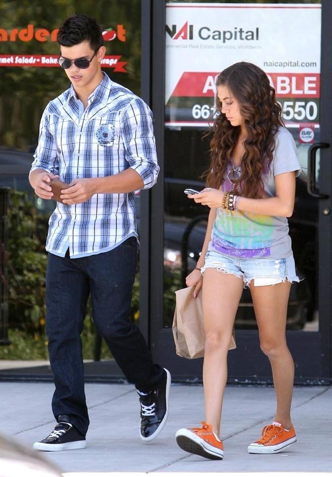 Taylor Lautner & Sara Hicks