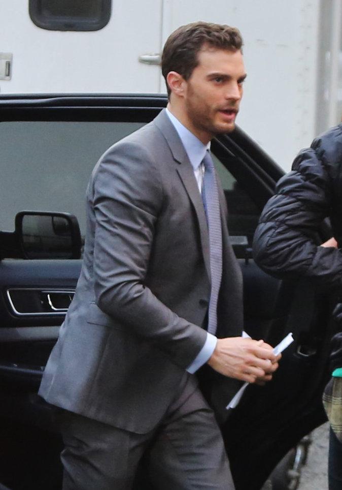 Photos : Jamie Dornan alias Mr Grey arrive sur le tournage de Fifty Shades Darker!