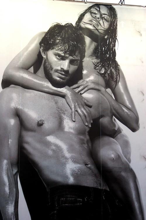 Jamie Dornan et Eva Mendes pour Calvin Klein