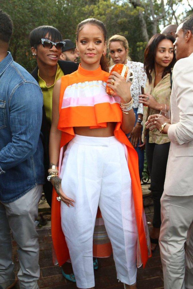 Jay-Z invite Rihanna et Demi Lovato chez lui !