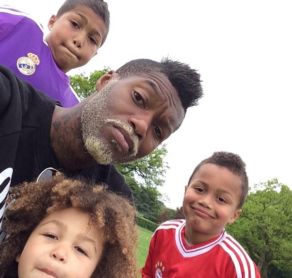 Djibril Cissé complètement gaga de ses enfants !