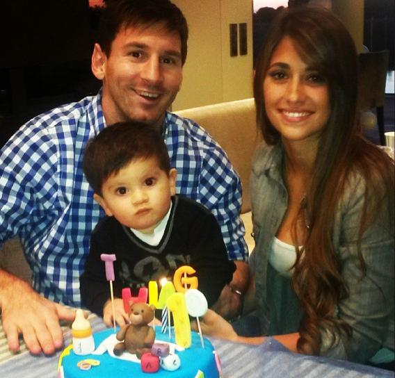 Lionel Messi complètement gaga de son fiston !