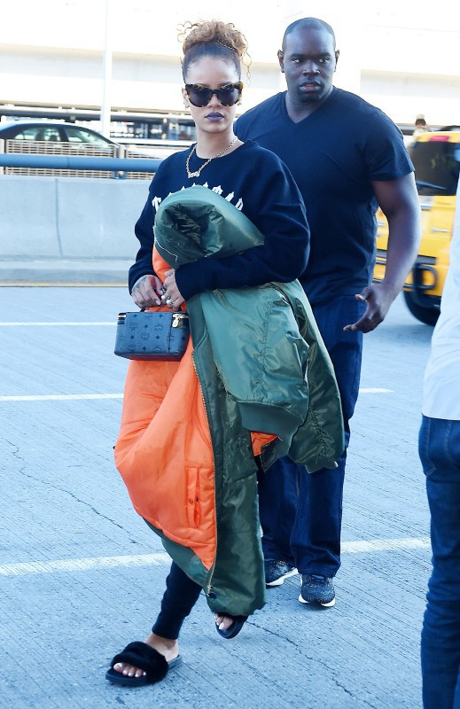 Rihanna quitte New-York le 14 septembre 2015