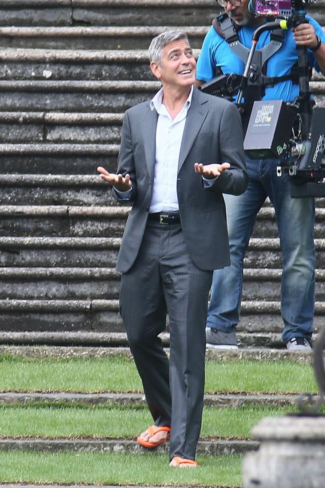 George Clooney sur le tournage de la nouvelle publicité Nespresso en Italie le 28 août 2014