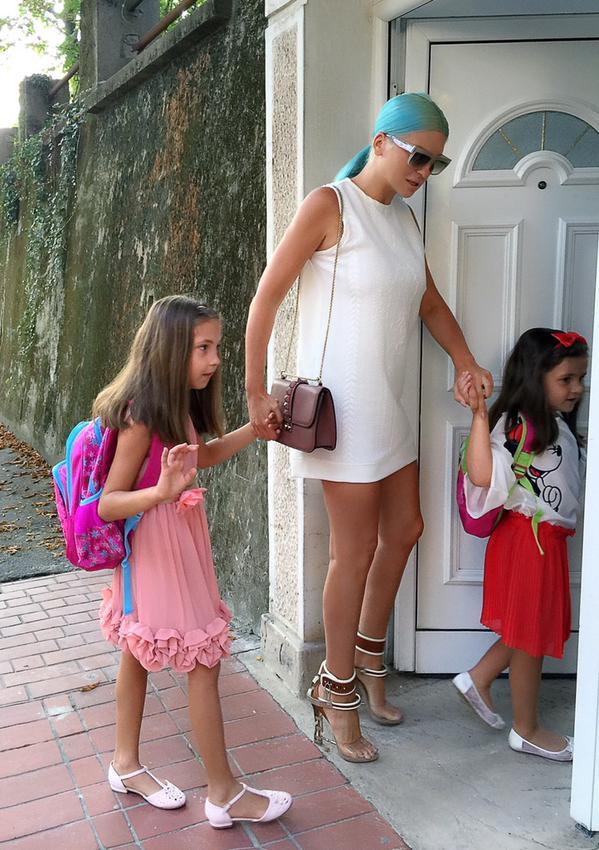 Photos : Jelena Karleusa : maman stylée comme sa rivale, Kim Kardashian !