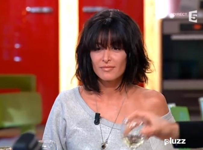 """Jenifer sur le plateau de """"C à vous"""" le 11 avril 2013"""