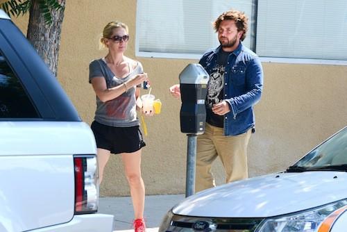 Photos : Jennie Garth s'affiche avec son nouveau boyfriend, un inconnu chevelu !