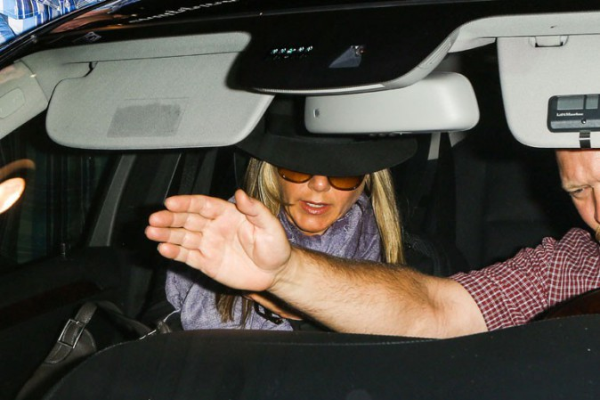 Jennifer Aniston à l'aéroport de Los Angeles le 17 août 2013