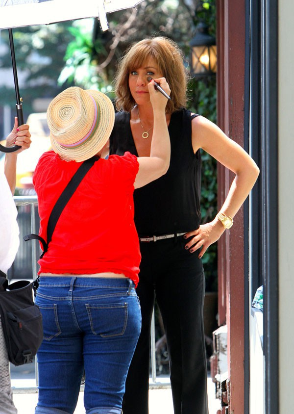 Jennifer Aniston sur le tournage de Squirrels to the nuts à New-York le 17 juillet 2013