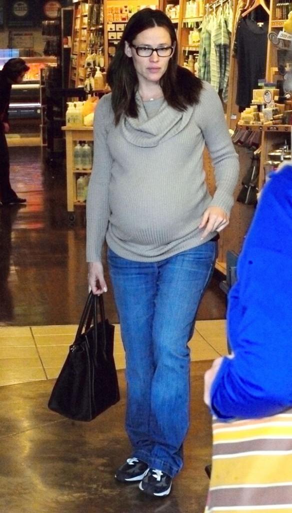 Jennifer Garner en mode supermarché hier à Brentwood !