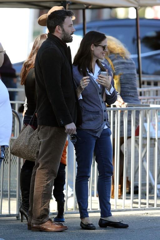 Ben Affleck et Jennifer Garner en famille à Brentwood le 11 novembre 2012