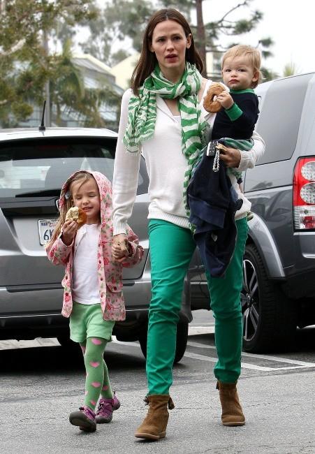 Jennifer Garner, Samuel et Seraphina le 17 mars 2013 à Brentwood