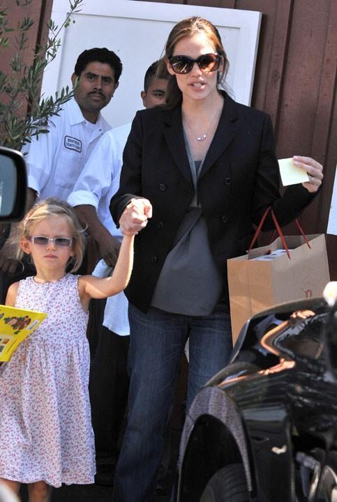 Jennifer Garner en sortie shopping avec Violet hier à Brentwood !